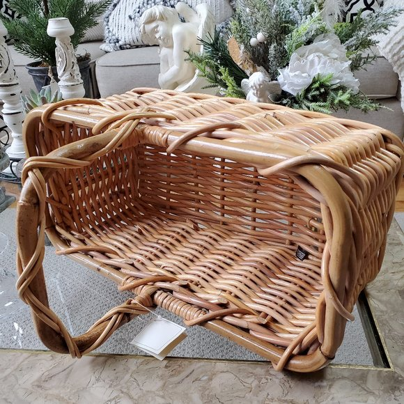 VINTAGE Farmhouse COTTAGE BAMBOO Basket W/Handle